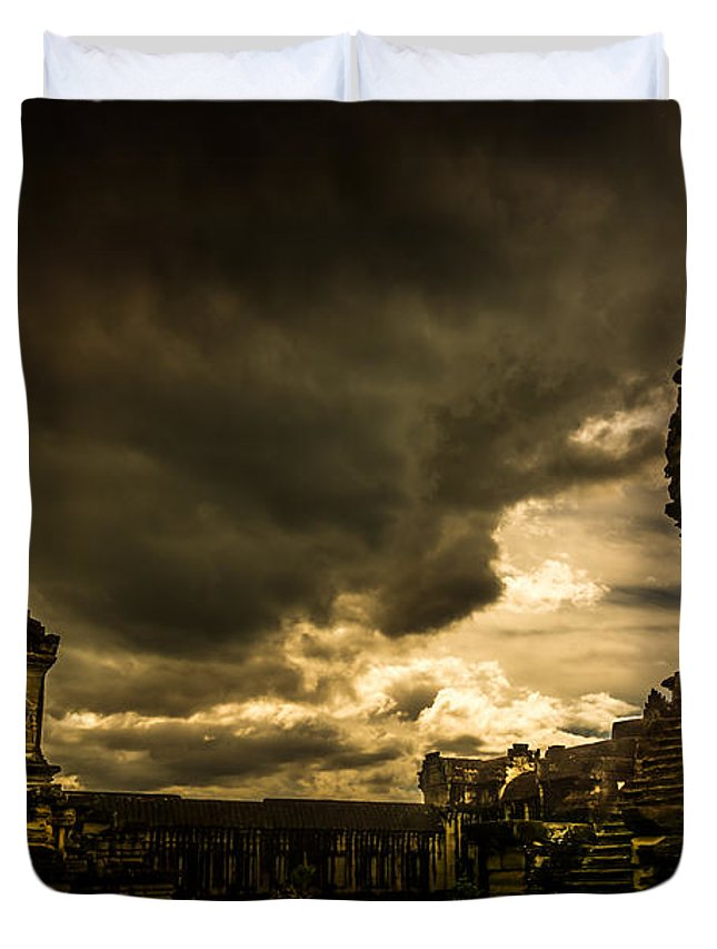 Rain Duvet Cover featuring the photograph The Storm by Andrew Matwijec