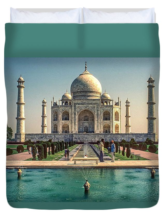 Architecture Duvet Cover featuring the photograph The Taj Maha by Steve Harrington
