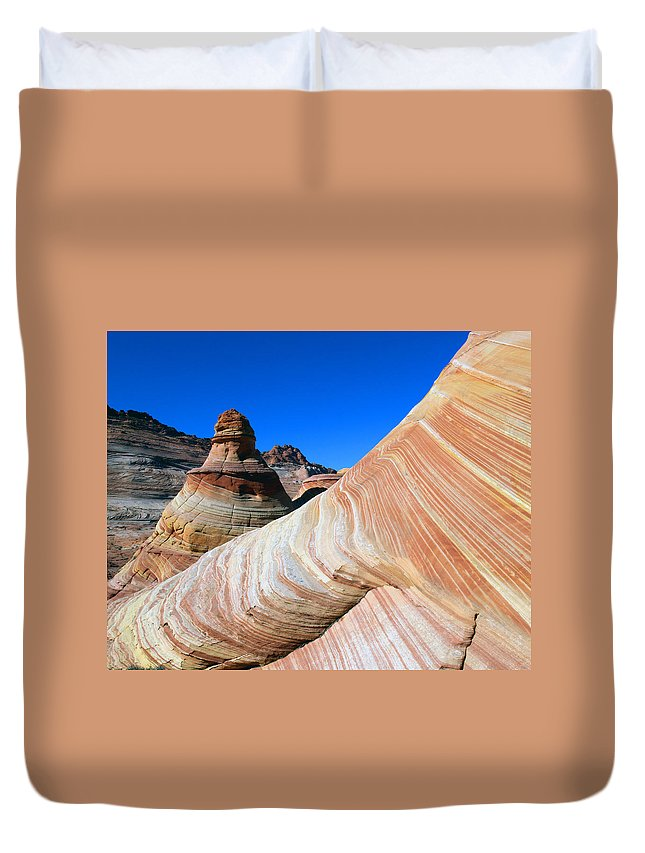 Landscape Duvet Cover featuring the photograph 'the Wave' North Coyote Buttes 10 by Jeff Brunton