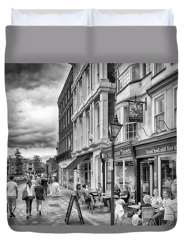 Exeter Duvet Cover featuring the photograph The Well House Tavern by Howard Salmon