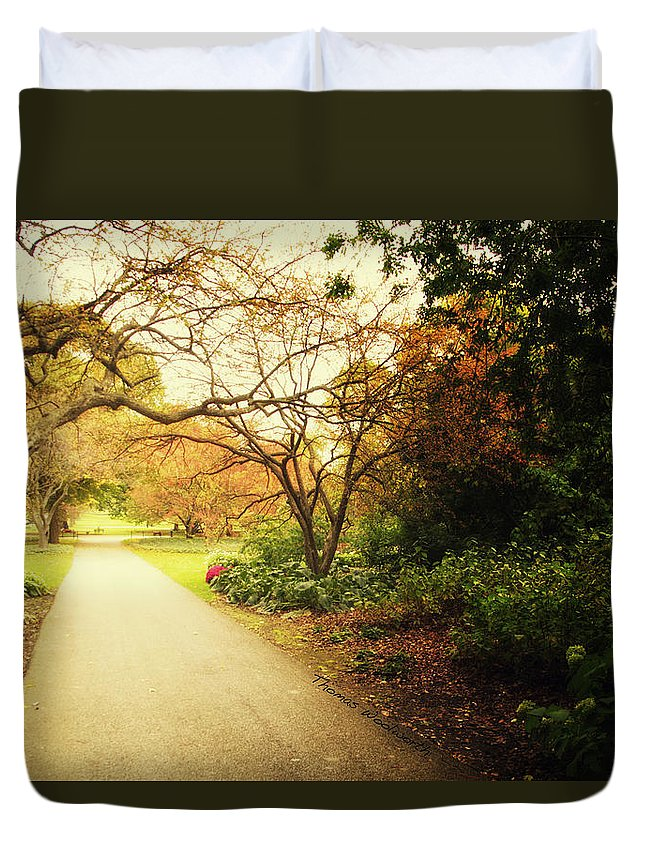 Autumn Duvet Cover featuring the photograph Then Autumn Arrives 04 by Thomas Woolworth