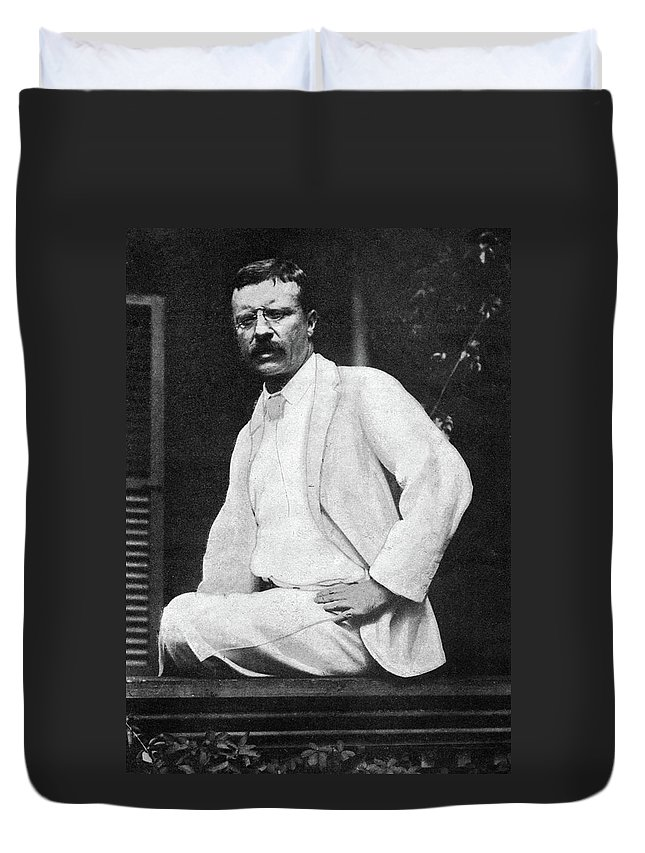 1901 Duvet Cover featuring the photograph Theodore Roosevelt (1858-1919) by Granger