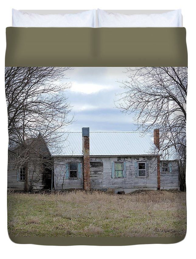 House Duvet Cover featuring the photograph This Old House 2 by Bonfire Photography