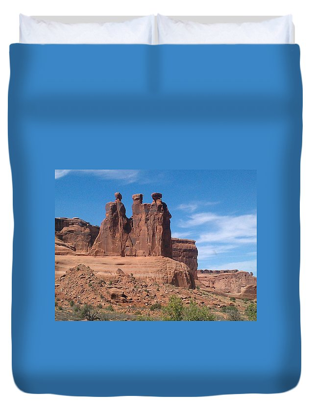 Landscape Duvet Cover featuring the photograph Three Kings by Fortunate Findings Shirley Dickerson