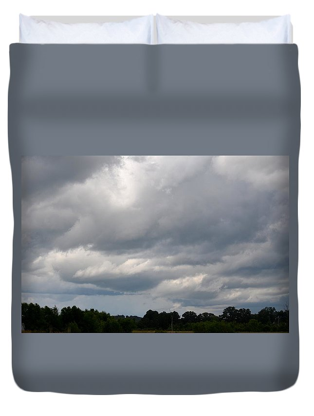 Thunderous Skies Duvet Cover featuring the photograph Thunderous Skies by Maria Urso