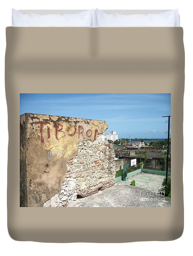Santo Domingo Duvet Cover featuring the photograph Tiburon And Basketball Court At The Top Of The Fort Wall by Heather Kirk