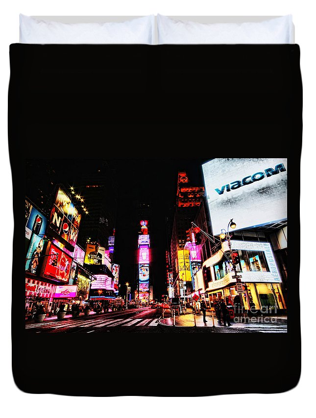 Times Duvet Cover featuring the photograph Times Square by Andrew Paranavitana