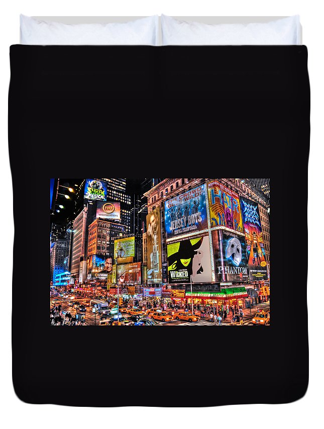 Manhattan Duvet Cover featuring the photograph Times Square by Randy Aveille