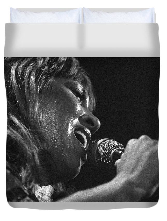 Tina Turner Duvet Cover featuring the photograph Tina Turner 1 by Dragan Kudjerski