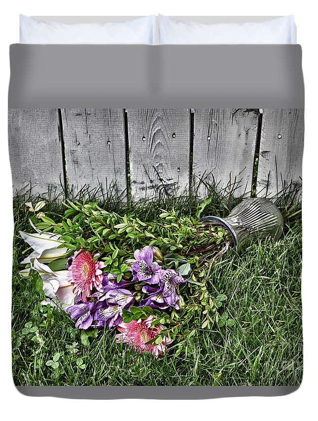 Flowers Duvet Cover featuring the digital art Tipsy Flowers by Lori Frostad