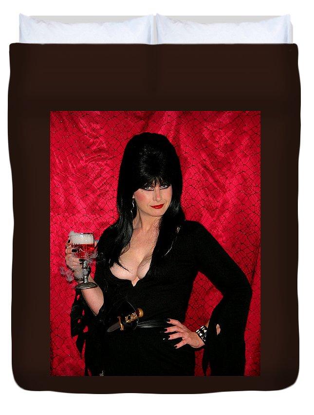 Elvira Duvet Cover featuring the photograph Toasty by Kristin Elmquist