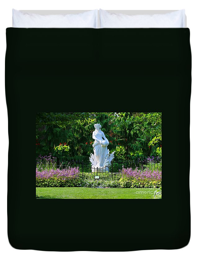Toledo Zoo Duvet Cover featuring the photograph Toledo Zoo Gardens 1741 by Jack Schultz