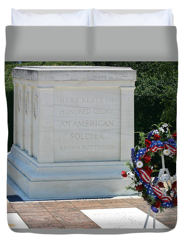 Tomb Of The Unknown Soldier Duvet Cover featuring the photograph Tomb Of The Unknown by Anthony Jones