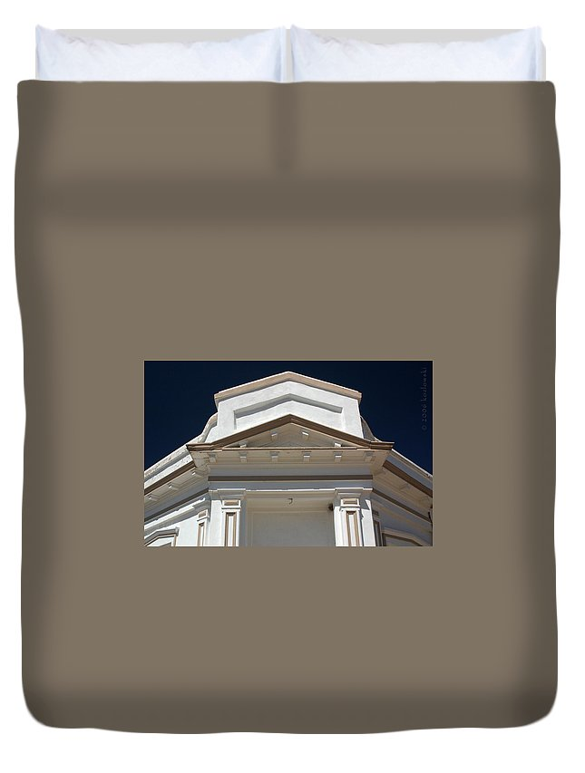 Tombstone Duvet Cover featuring the photograph Tombstone Courthouse by Joe Kozlowski