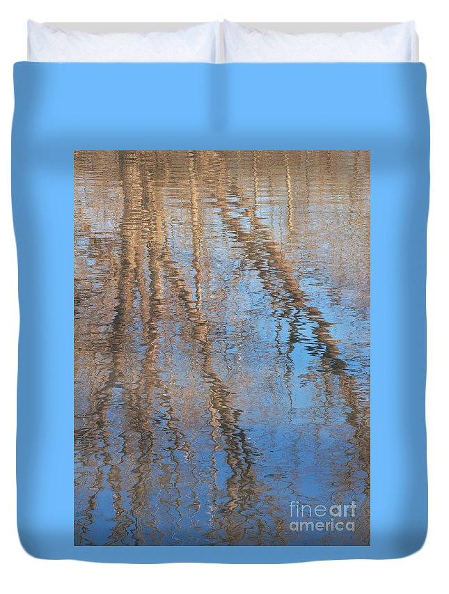 Tree Duvet Cover featuring the photograph Topside Down by Ann Horn