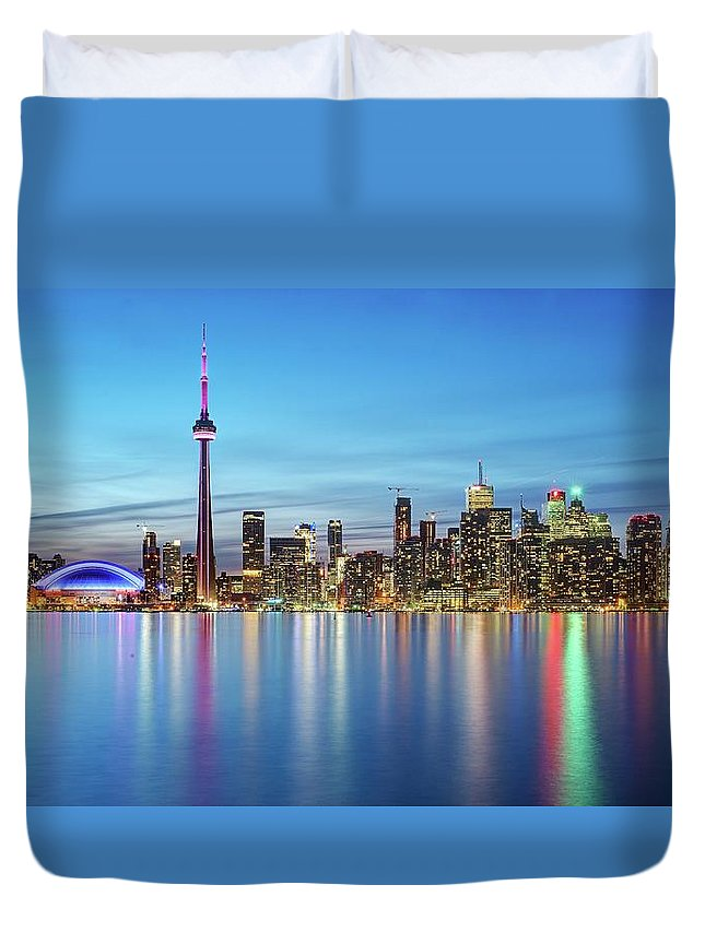 Tranquility Duvet Cover featuring the photograph Toronto Skyline by Thomas Kurmeier