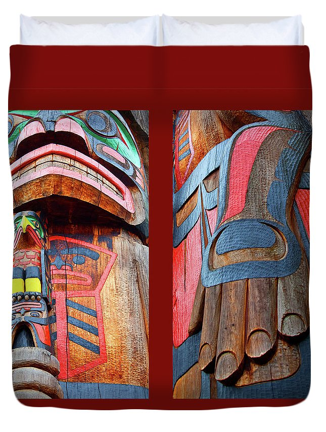 Native American Duvet Cover featuring the photograph Totem 2 by Theresa Tahara