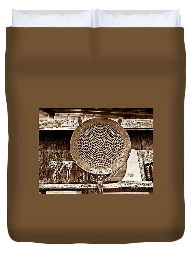 Metal Duvet Cover featuring the photograph Traditional Light by Fei A