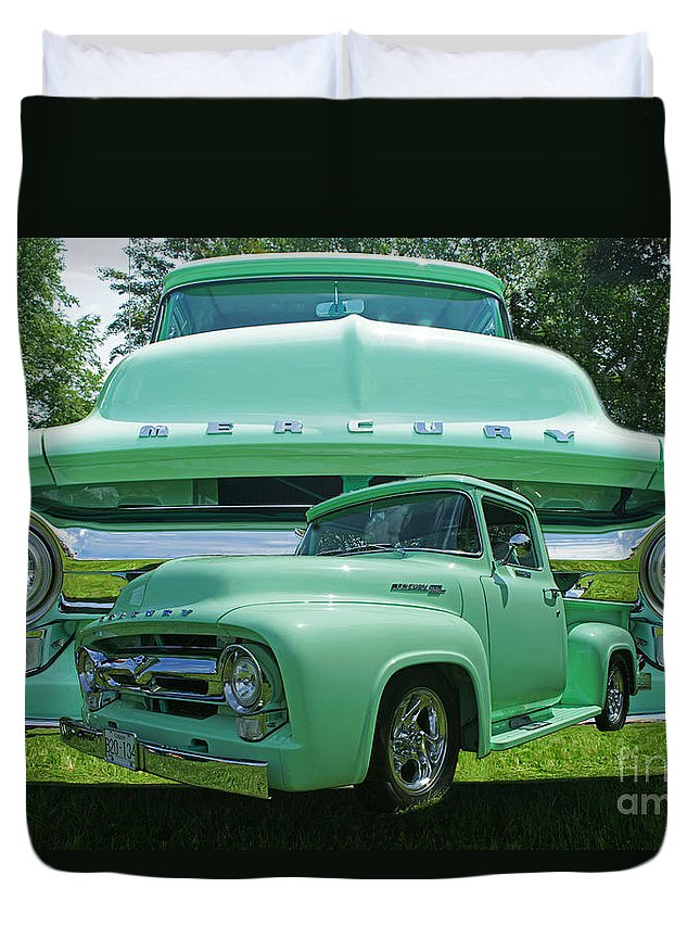 Trucks Duvet Cover featuring the photograph Truck In Grill by Randy Harris