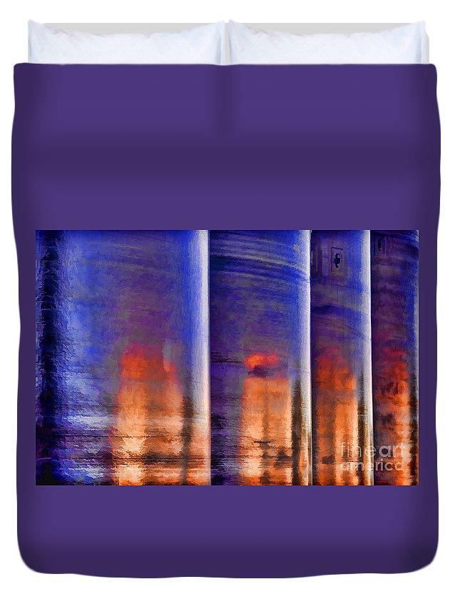 Tubular Sunset Duvet Cover featuring the photograph Tubular Sunset by Gary Holmes