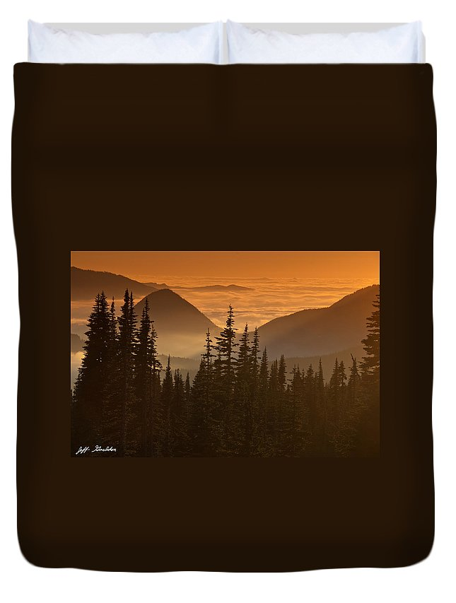 Beauty In Nature Duvet Cover featuring the photograph Tumtum Peak At Sunset by Jeff Goulden