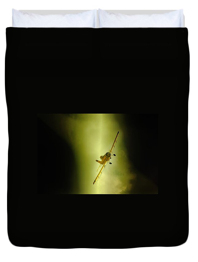 Crop Sprayer Duvet Cover featuring the photograph Turn by Paul Job