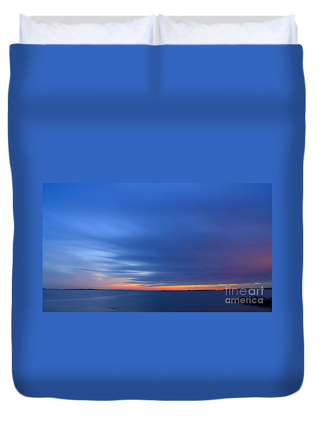 Sunset Duvet Cover featuring the photograph Twilight by Joe Geraci