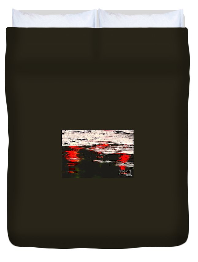 Photo Duvet Cover featuring the photograph Twist On A Midsummer Night by Tami Quigley