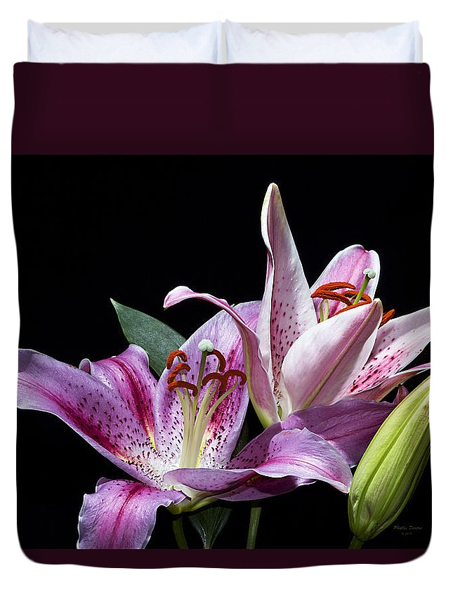 Flower Duvet Cover featuring the photograph Two Star Lilies by Phyllis Denton