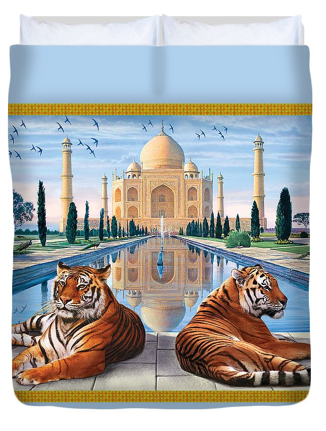 Animals Duvet Cover featuring the photograph Untitled by Steve Crisp
