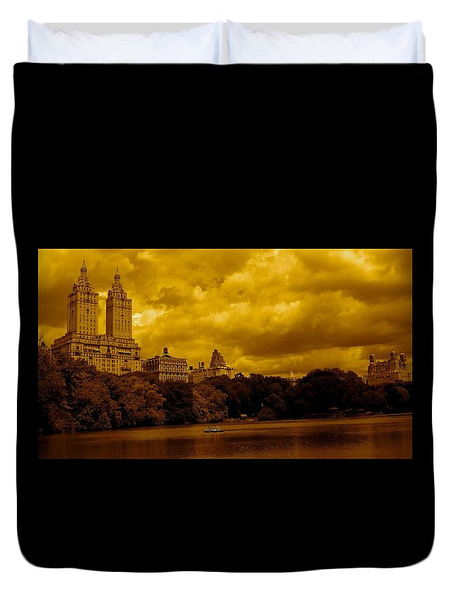 Iphone Cover Cases Duvet Cover featuring the photograph Upper West Side And Central Park by Monique's Fine Art