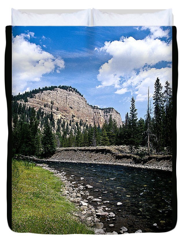 Landscape Duvet Cover featuring the photograph Upriver In Washake Wilderness by Kathy McClure