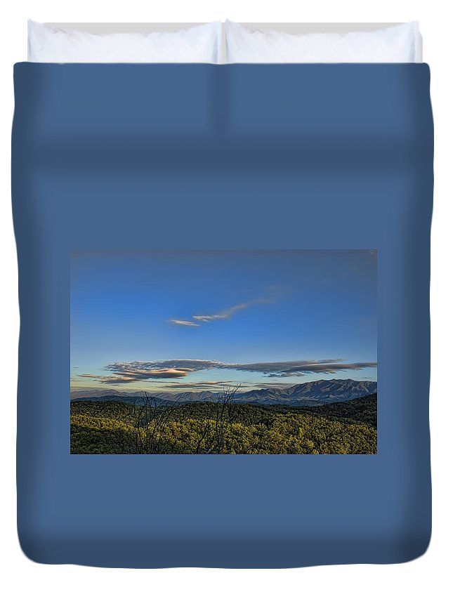 Tennessee Duvet Cover featuring the photograph Upslope Flow by Steven Richardson