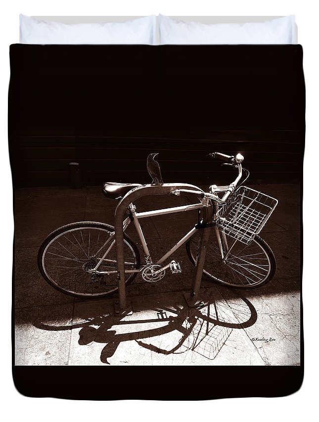 Bicycle Duvet Cover featuring the photograph Urban Perch by Xueling Zou