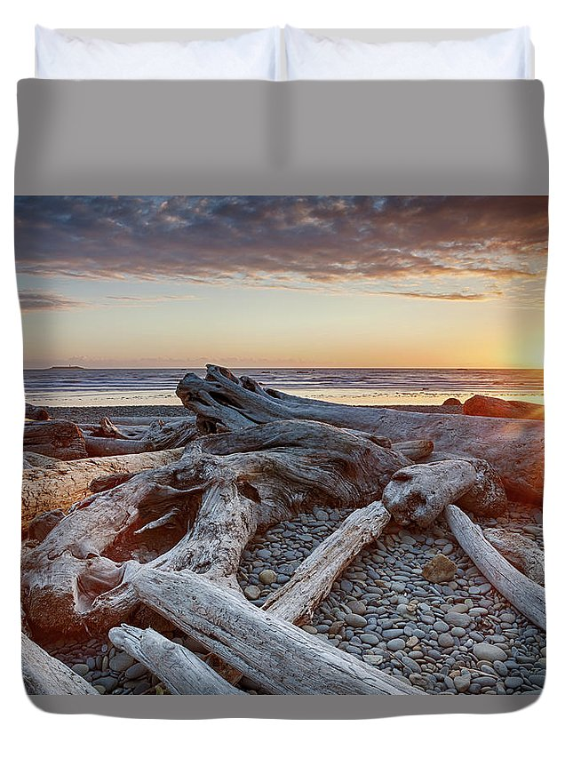 Scenics Duvet Cover featuring the photograph Usa, Washington State, Olympic National by Bryan Mullennix
