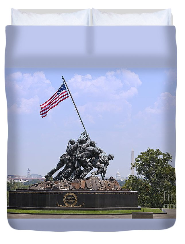 Usmc Duvet Cover featuring the photograph Usmc War Memorial by B Christopher