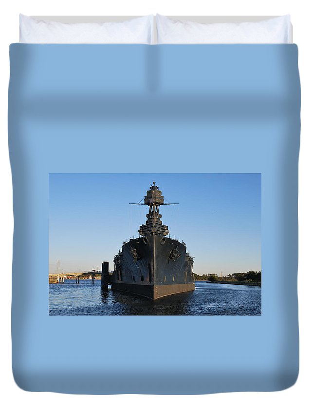 Uss Texas Duvet Cover featuring the photograph Uss Texas Bow by Richard Booth
