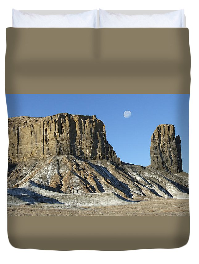 Desert Duvet Cover featuring the photograph Utah Outback 41 Panoramic by Mike McGlothlen