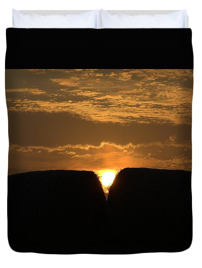 Sun Duvet Cover featuring the photograph V Rise by Bonfire Photography