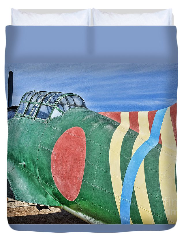 Vultee Bt-13a Valiant Duvet Cover featuring the photograph Val Clone by Tommy Anderson