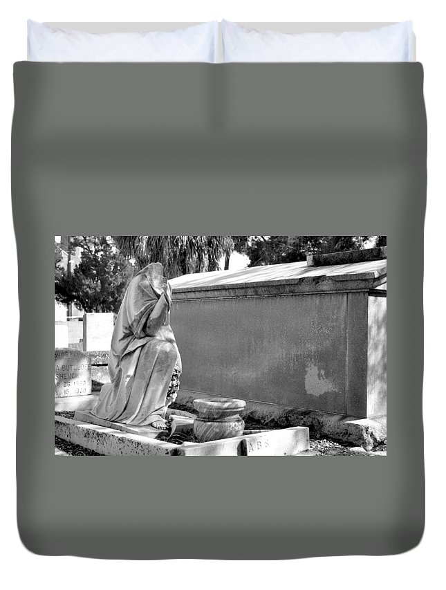 Oaklawn Duvet Cover featuring the photograph Valeria Butzloff Statue Black And White by Sally Rockefeller