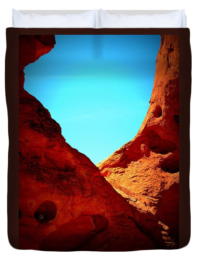 Valley Of Fire Duvet Cover featuring the photograph Valley Of Fire Nevada Desert Sand People by Katy Hawk