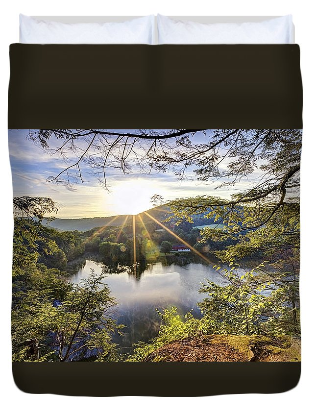 Sunrise Duvet Cover featuring the photograph Valley Sunrise by Bill Wakeley