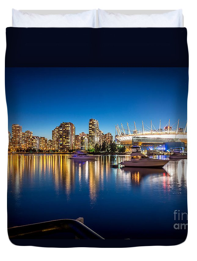 City Skyline Photography Duvet Cover featuring the photograph Vancouver Skyline - By Sabine Edrissi by Sabine Edrissi