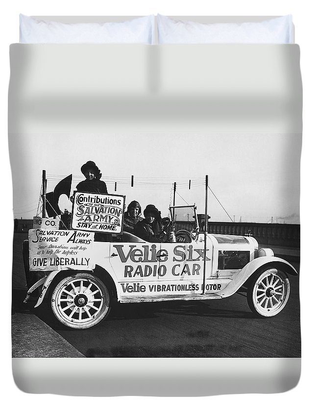 1920s Duvet Cover featuring the photograph Velie Six Radio Car by Underwood & Underwood