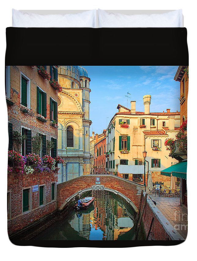 Europe Duvet Cover featuring the photograph Venetian Paradise by Inge Johnsson