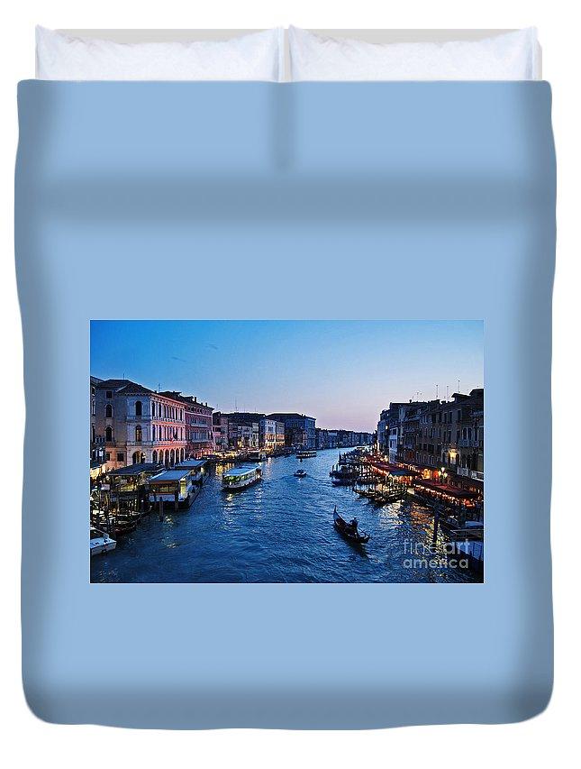 Arquitetura Duvet Cover featuring the photograph Venezia - Il Gran Canale by Carlos Alkmin