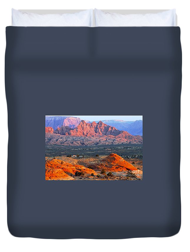 Vermillion Cliffs Lookout Page Arizona Red Rock Cliff Teepee Mounds Rocks Landscape Landscapes Duvet Cover featuring the photograph Vermillion Cliffs At Sunrise by Bob Phillips