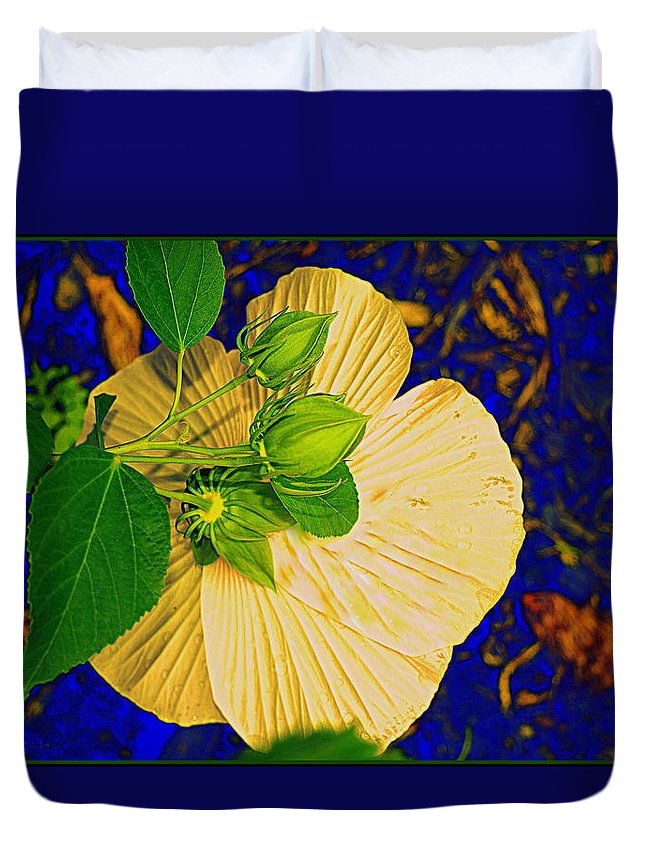 Hibiscus Duvet Cover featuring the photograph Vibrant by Kathy Barney