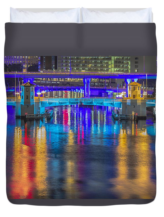 Downtown Duvet Cover featuring the photograph Vibrant by Stephen Brown